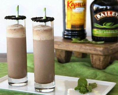 Oreo-Milkshake-with-Baileys-and-Kahlua